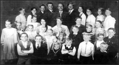 polgyamy family